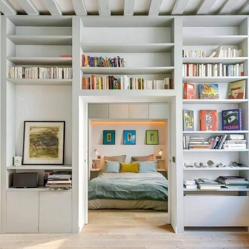 Půvabný malý byt v Paříži zaměřený na spojení klasiky s trendy