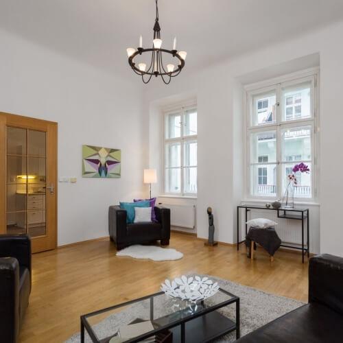 Home Staging nezařízeného bytu v Praze na Starém Městě
