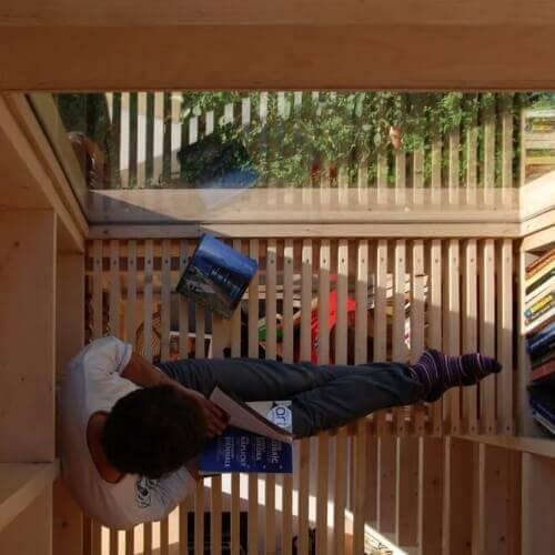 Knihovna v zahradě