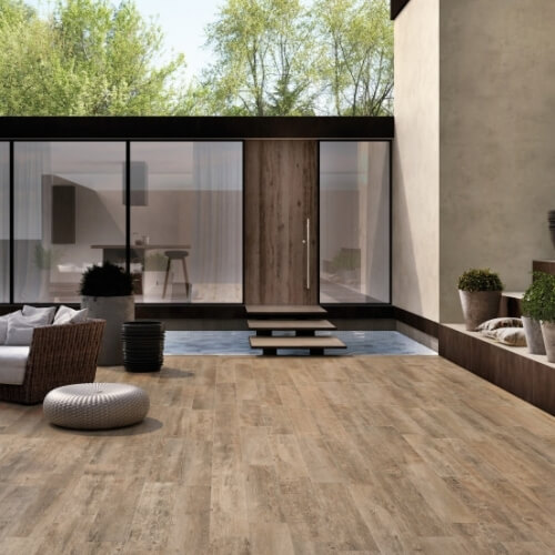 Sherwood, velkoformátová dlažba imitující dřevo