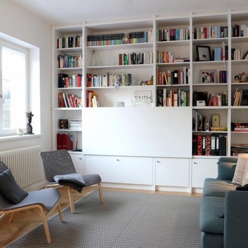 Obývací pokoj s kuchyní ve skandinávském stylu